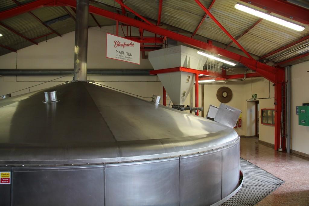Skotland Glenfarclas Distillery 04-06-2014 10-42-48
